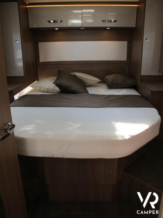 Burstner lyseo i 734 motorhome letto nautico - Camper 8 posti letto noleggio ...