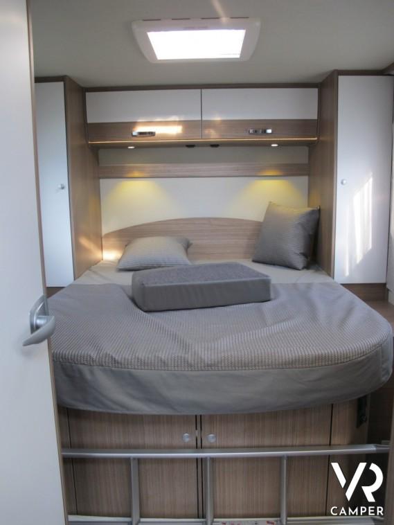 carado i 449 motorhome con letto nautico. Black Bedroom Furniture Sets. Home Design Ideas
