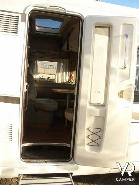 Hymer b 594 premium line motorhome con garage for Disegni di garage rv