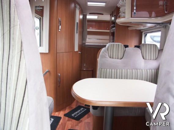 Camper Letto Matrimoniale Posteriore.Hymer Tramp 614 Sl Camper Usato Con Garage