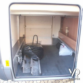 Hymer b 614 g motorhome con garage for Piani di garage rv staccati